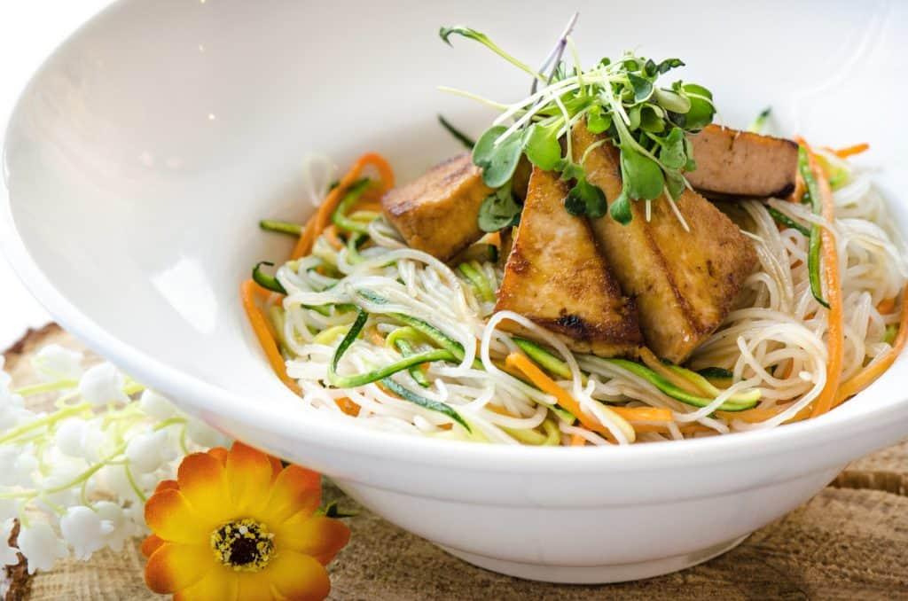 Tofu Teriyaki sur vermicelles de riz