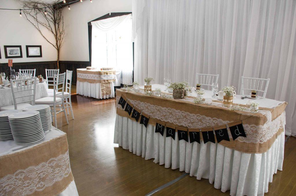 Belle Table d'honneur pour 2 personnes