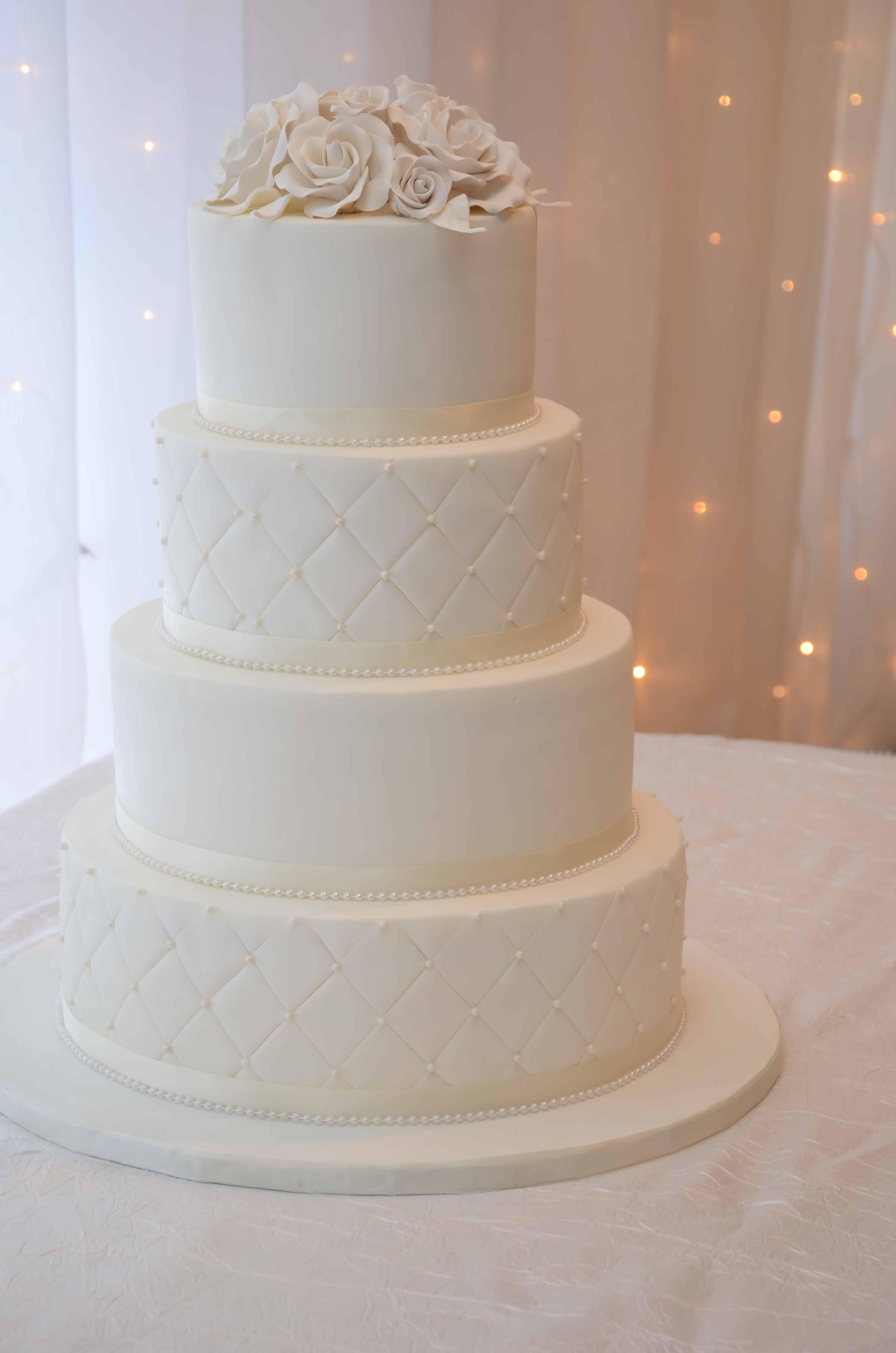 Gâteau Mariage Blanc étages 1 Cabane à Sucre Constantin
