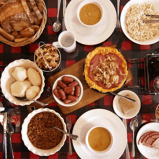 Repas Traditionnel De Cabane à Sucre